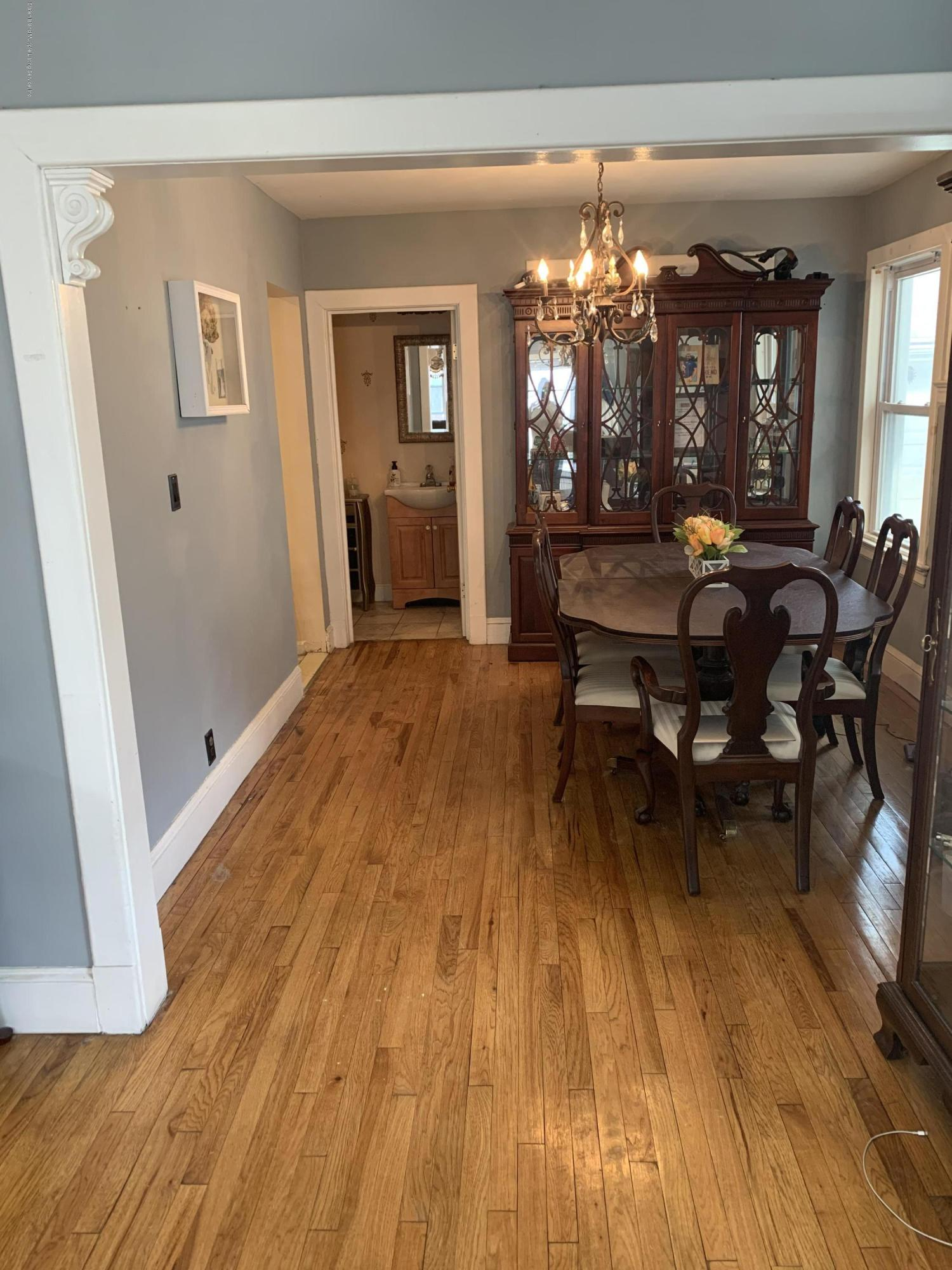 79 Winthrop Place,Staten Island,New York,10314,United States,2 Bedrooms Bedrooms,5 Rooms Rooms,3 BathroomsBathrooms,Residential,Winthrop,1136672