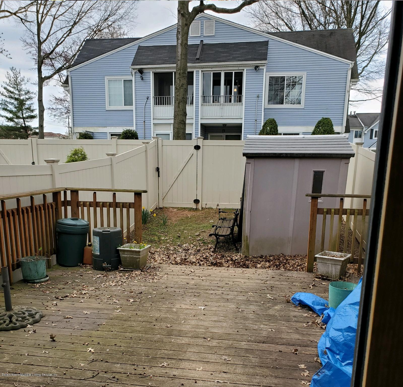 28 Locust Court,Staten Island,New York,10309,United States,3 Bedrooms Bedrooms,6 Rooms Rooms,2 BathroomsBathrooms,Residential,Locust,1136677