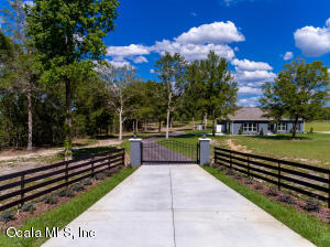 Property for sale at 6565 NW 150th Avenue, Morriston,  Florida 32668