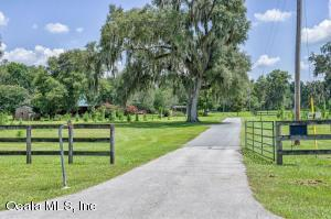 Property for sale at 9480 W Hwy 316, Reddick,  Florida 32686