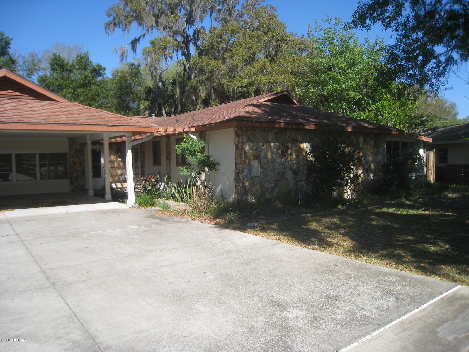 12 SPRING LAKE WAY, OCALA, FL 34472