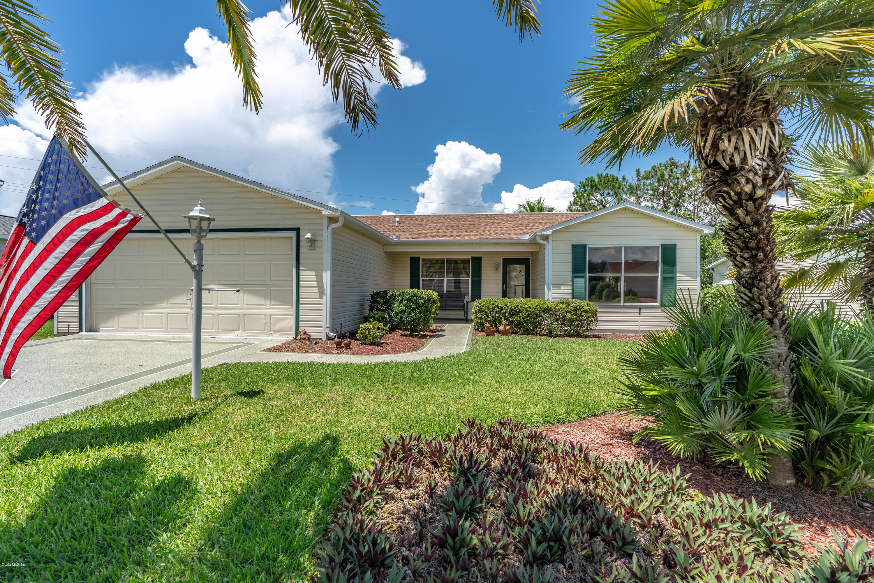 818 CAMINO DEL REY DRIVE, THE VILLAGES, FL 32159