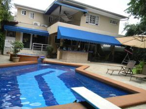 Casa En Ventaen Panama, El Carmen, Panama, PA RAH: 15-260