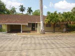 Casa En Venta En Panama, Howard, Panama, PA RAH: 15-267