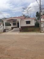 Casa En Venta En Arraijan, Vista Alegre, Panama, PA RAH: 15-370