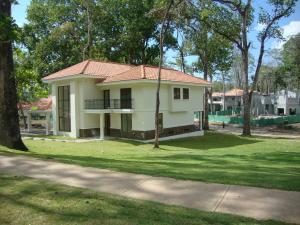 Casa En Venta En Panama, Clayton, Panama, PA RAH: 15-573