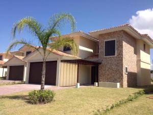 Casa En Venta En Chame, Coronado, Panama, PA RAH: 15-744
