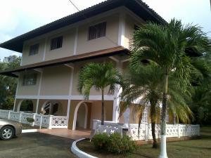 Casa En Venta En Colón, Colon, Panama, PA RAH: 15-1342
