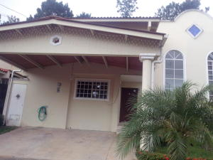 Casa En Venta En Arraijan, Vista Alegre, Panama, PA RAH: 15-1527