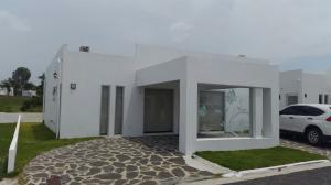 Casa En Venta En Cocle, Cocle, Panama, PA RAH: 15-1932