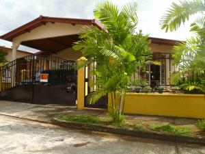 Casa En Venta En Panama, Brisas Del Golf, Panama, PA RAH: 15-2727