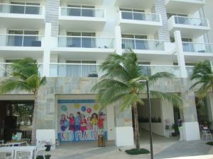 Local Comercial En Venta En Rio Hato, Playa Blanca, Panama, PA RAH: 15-2779