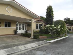 Casa En Ventaen Panama, Clayton, Panama, PA RAH: 15-3217