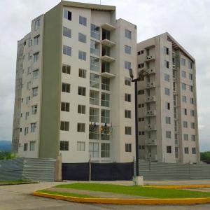 Apartamento En Venta En Panama, Las Cumbres, Panama, PA RAH: 15-3374
