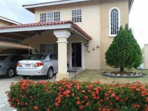 Casa En Venta En Panama, Brisas Del Golf, Panama, PA RAH: 16-403