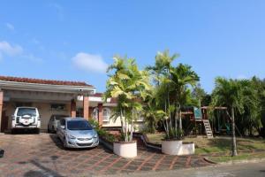 Casa En Alquiler En Panama, Las Cumbres, Panama, PA RAH: 16-638