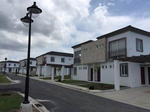 Casa En Venta En Chame, Coronado, Panama, PA RAH: 16-917