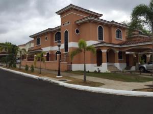 Casa En Venta En Panama, Clayton, Panama, PA RAH: 16-1051