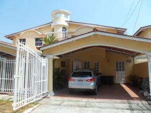 Casa En Venta En Panama, Condado Del Rey, Panama, PA RAH: 16-1127
