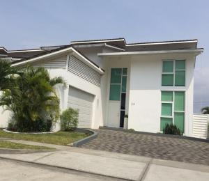 Casa En Venta En Panama, Altos De Panama, Panama, PA RAH: 16-1286