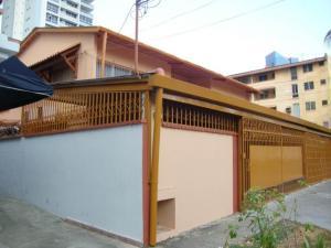 Casa En Alquiler En Panama, Bellavista, Panama, PA RAH: 15-2136