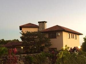 Casa En Venta En Boquete, Boquete, Panama, PA RAH: 16-1556