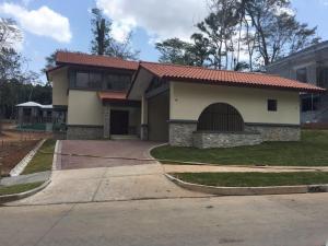 Casa En Venta En Panama, Clayton, Panama, PA RAH: 16-1596