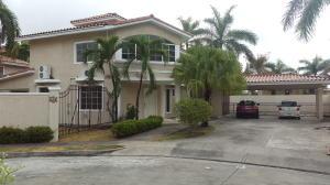 Casa En Venta En Panama, Costa Del Este, Panama, PA RAH: 16-1651