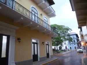 Apartamento En Alquiler En Panama, Casco Antiguo, Panama, PA RAH: 16-2247