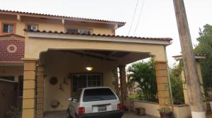 Casa En Venta En Arraijan, Vista Alegre, Panama, PA RAH: 16-2257