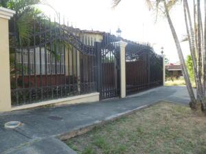 Casa En Venta En Panama, Altos De Panama, Panama, PA RAH: 16-2507