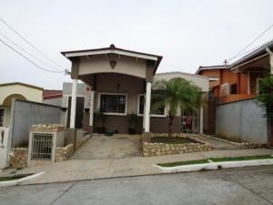 Casa En Alquiler En Panama, Las Cumbres, Panama, PA RAH: 16-2510