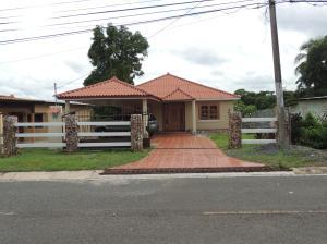 Casa En Alquiler En La Chorrera, Chorrera, Panama, PA RAH: 16-2575