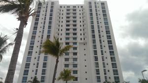 Apartamento En Venta En Rio Hato, Playa Blanca, Panama, PA RAH: 16-2580