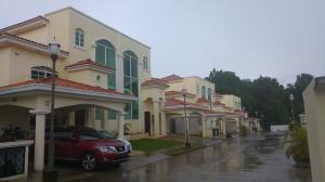 Casa En Venta En Panama, Clayton, Panama, PA RAH: 16-2605