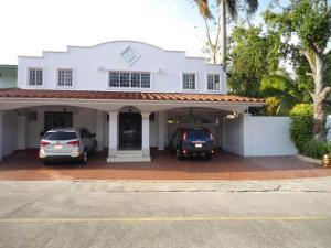 Casa En Venta En Panama, Diablo, Panama, PA RAH: 16-2691