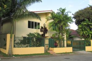 Casa En Venta En Panama, Ancon, Panama, PA RAH: 16-2718