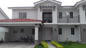 Casa En Venta En Panama, Versalles, Panama, PA RAH: 16-2928