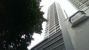 Apartamento En Venta En Panama, Obarrio, Panama, PA RAH: 16-2935
