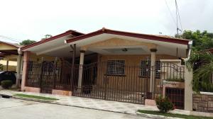 Casa En Venta En San Miguelito, Brisas Del Golf, Panama, PA RAH: 16-3013