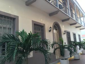 Apartamento En Alquiler En Panama, Casco Antiguo, Panama, PA RAH: 16-3300