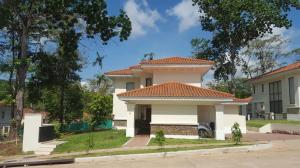 Casa En Venta En Panama, Clayton, Panama, PA RAH: 16-3515