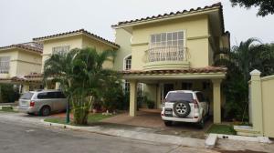 Casa En Venta En Panama, Condado Del Rey, Panama, PA RAH: 16-3601