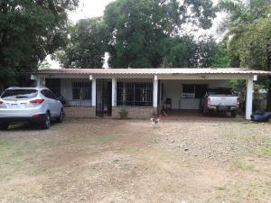 Casa En Venta En Pacora, Cerro Azul, Panama, PA RAH: 16-3603