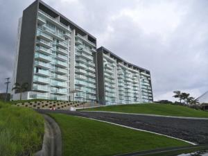 Apartamento En Alquiler En Colón, Maria Chiquita, Panama, PA RAH: 16-3962