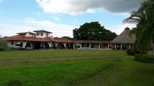 Casa En Venta En Cocle, Cocle, Panama, PA RAH: 16-3983