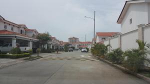 Casa En Venta En Panama, Versalles, Panama, PA RAH: 16-4012