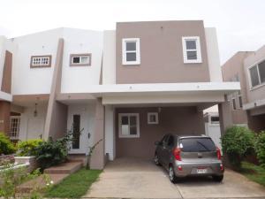 Casa En Venta En San Miguelito, Brisas Del Golf, Panama, PA RAH: 16-4026