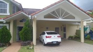 Casa En Venta En Panama, Brisas Del Golf, Panama, PA RAH: 16-4047