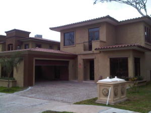 Casa En Venta En Panama, Clayton, Panama, PA RAH: 16-4114